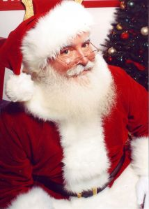732px-Jonathan_G_Meath_portrays_Santa_Claus